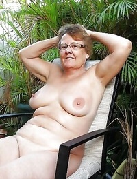 Granny with saggy tits - part 4686