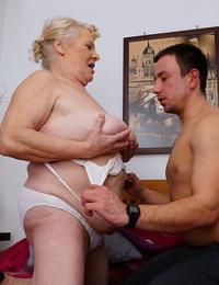 Chubby euro mature girl screwed in hardore porno g-spot - part 1197