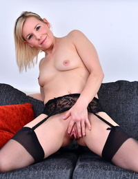 Horny housewife from the uk getting wet and naughty - part 2052