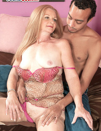 Cougar on the ball butter - part 3463
