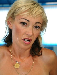 Mature blond Sarah Rayne and her hubby pounding stiff poolside