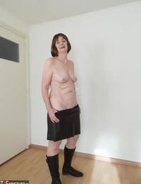 Warm old woman Kat Kitty puts her hairless vagina on demonstrate in solo activity