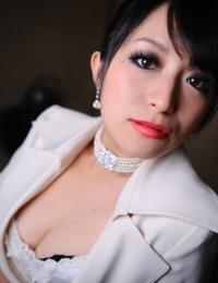 Classy Japanese model Nana Kunimi labyrinth her lace bra with crimson lips