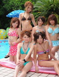 Tasty Japanese gfs in sexy swimsuits flaunt their sweetie poolside